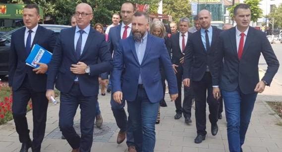 Historianët: Lista serbe të shpallet organizatë terroriste dhe anti-kushtetuese në Kosovë