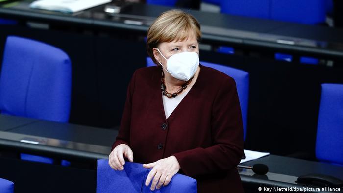 Merkel refuzon të vaksinohet, u jep përparësi kategorive më të rrezikuar