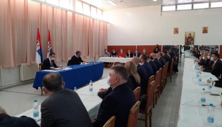 Vuçiq: Politikanët në Kosovë paguan shuma marramendëse për të na ndarë