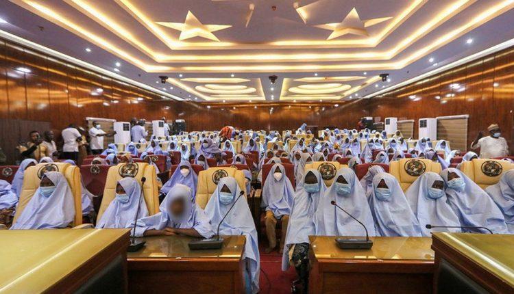 U rrëmbyen disa ditë më parë nga persona të armatosur, lirohen 300 vajza në Nigeri