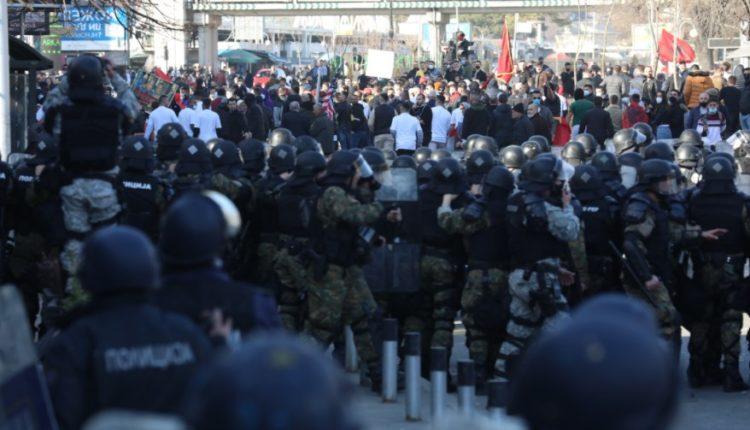"""""""Monstra"""", prokuroria kërkon paraburgim edhe për tre protestues"""
