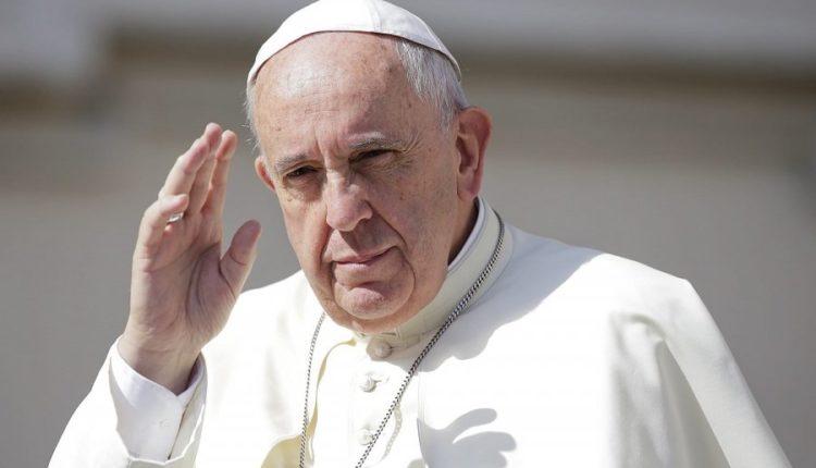 Papa Françesku bën thirrje për dhënien fund të luftimeve në Izrael dhe Gaza