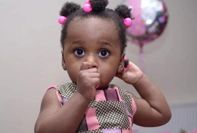 Horrori: Feston një javë ditëlindjen dhe le vajzën e vogël të vdesë nga uria, e vetme në shtëpi (FOTO)