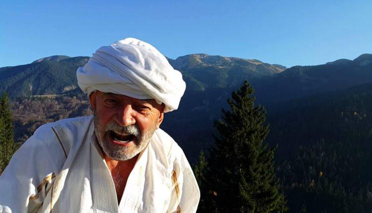 Çun Lajçi shkruan vargje për Adem Jasharin: Kurgja s'u krye Bac, burrnia jonë veç punë fjalësh