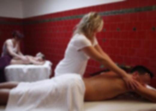 Rrëfehet 28-vjeçarja: U punësova në Tiranë në qendër masazhi, më shfrytëzuan për prostitutë