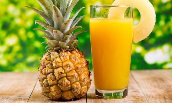 A mund të ndihmojë ananasi të humbisni peshë?