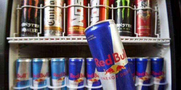 21 vjeçari që pinte 4 pije energjike në ditë kaloi dy muaj në spital