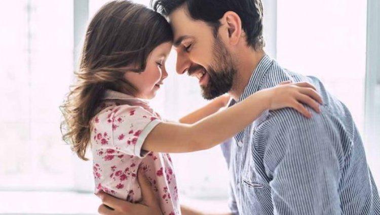 """Fjalët prekëse të një babai: """"Kam qarë dy herë në jetë prej teje, bija ime"""""""