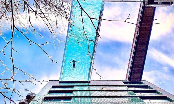 Londër: Pishina në qiell, me pjesën e poshtme transparente