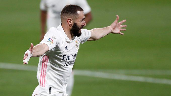 Super Benzema, Reali mposht Cadizin dhe ngjitet përkohësisht në krye!