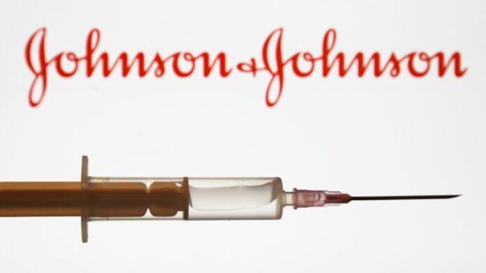 Mpiksje gjaku, rekomandohet ndalimi i vaksinimit me Johnson & Johnson