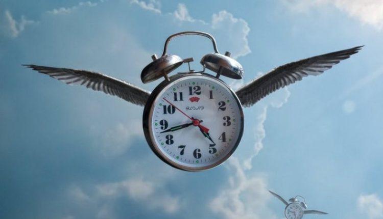 """Shkencëtarët zbulojnë përgjigjen: Ja pse """"fluturon"""" koha në disa ditë, por zvarritet në të tjera"""