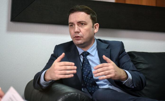 Kryediplomati Osmani përplaset me Ambasadën ruse në Shkup