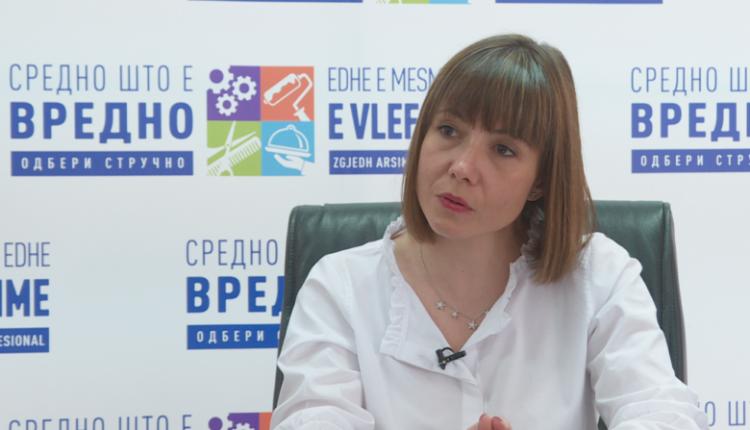Carovska: Programi Fullbrajt me shekuj na ofron arsim cilësor më të lartë