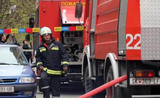 Është shuar zjarri në një shtëpi në Shkup, janë lënduar dy persona