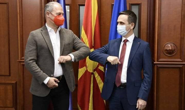 Kasami realizoi takim me eurodeputetin Andreas Schielder