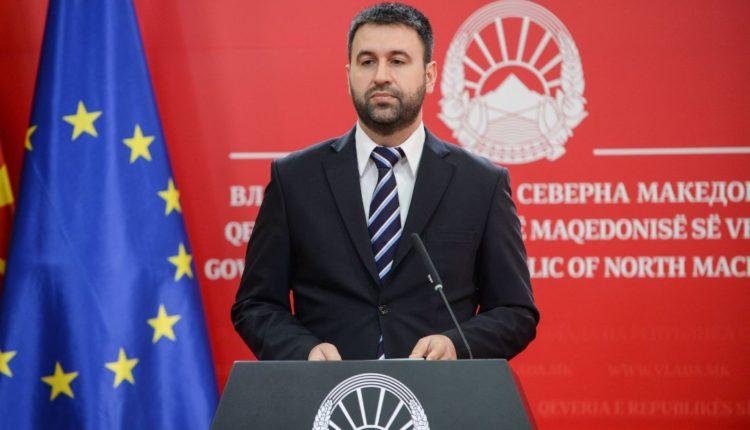 Hoxha opozitës: Nëse votoni ndryshimet të hënën, paratë u lëshohen duhanprodhuesive deri të premten