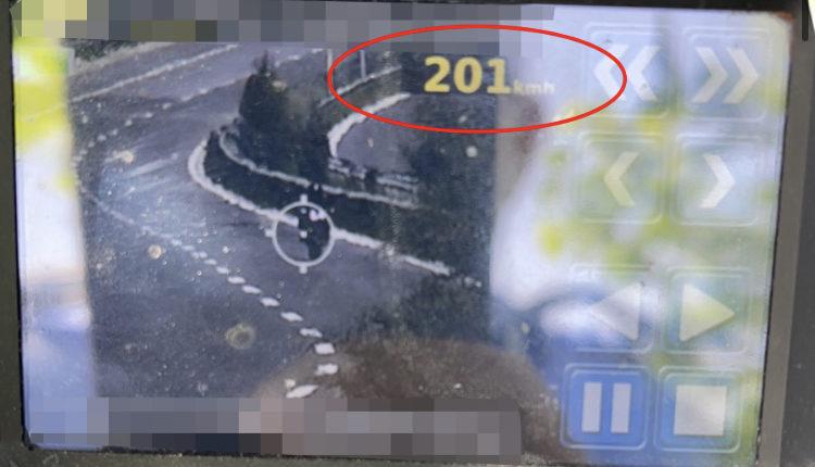Voziste 201 km në orë, gjobitet nga policia