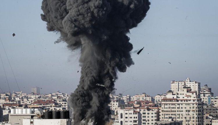 Izraeli vazhdon bombardimet në Rripin e Gazës, vriten dhjetë palestinezë nga një sulm ajror