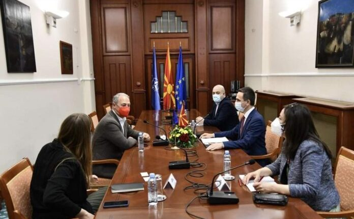 Kasami dhe Rexhepi takojnë eurodeputetin Schieder, në fokus procesi eurointgrues i vendit