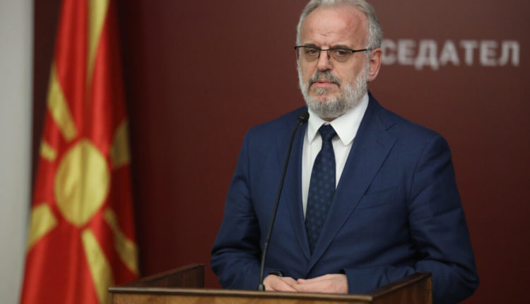 Kryeparlamentari Talat Xhaferi uron myslimanët për Fitër Bajramin