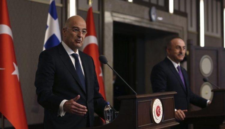 Ministri i Jashtëm turk do të vizitojë Athinën në fund të muajit