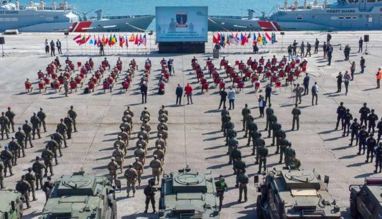"""NATO tregon """"muskujt"""" në Shqipëri"""