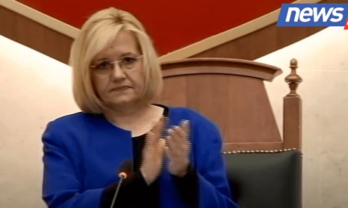 Deputetët e mazhorancës e opozitës në këmbë, Kuvendi mban një minutë heshtje për Bashkim Finon