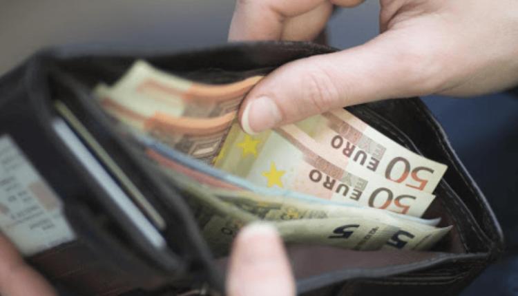 Vodhi 80 mijë euro në Francë, i blen shtëpi dhe veturë babait në Kosovë