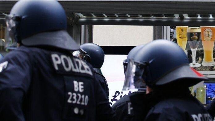 Gjermani, policia arreston personin që kërcënonte politikanët dhe gazetarët