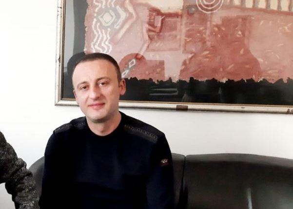 Irfan Buçi njofton dorëheqjen nga posti i zv/drejtorit të Doganave