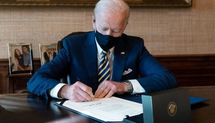 Kështu i shpërblen Biden amerikanët që marrin vaksinën
