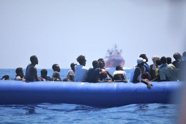 Tragjedia e fundit në Mesdhe: Përmbyset anija, 24 migrantë humbin jetën
