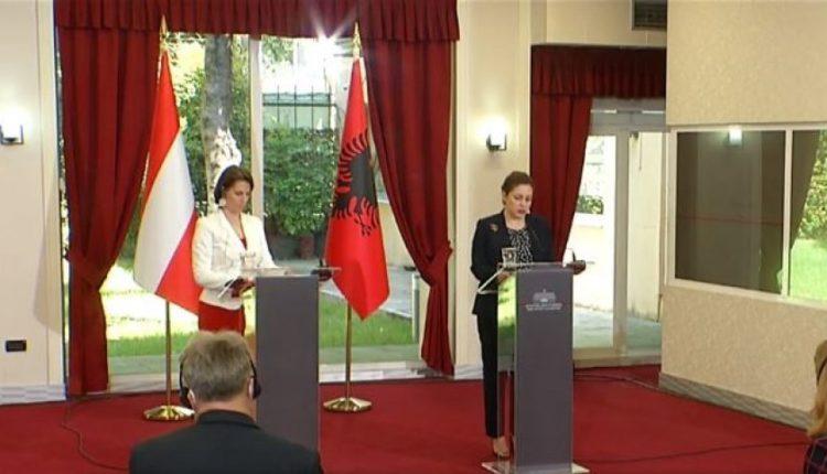 Ministrja austriake: Nëse nuk e përshpejtojmë procesin, të gjithë humbasim!