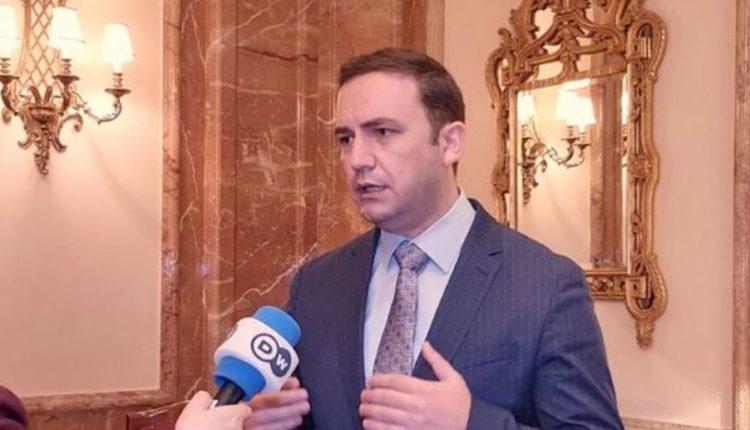 """""""Non papers"""", Osmani: BE duhet të nisë bisedimet me RMV e Shqipërinë për të eliminuar këto manovra"""