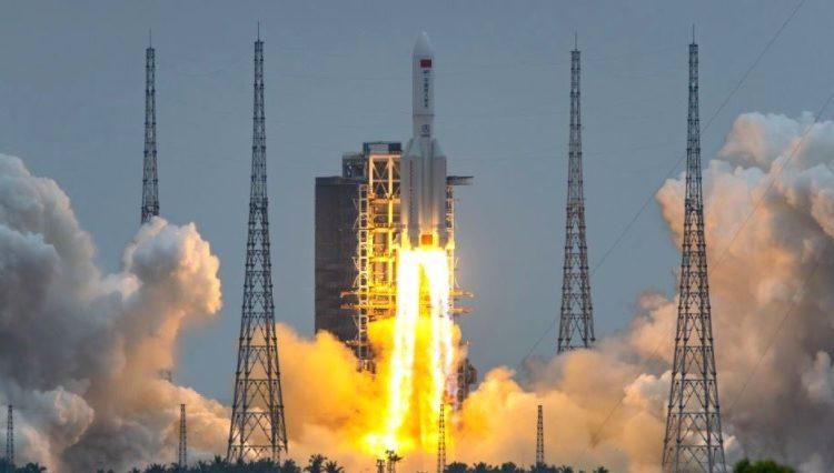 Krejt çfarë dihet për raketën kineze, që pritet të bie sot në Tokë