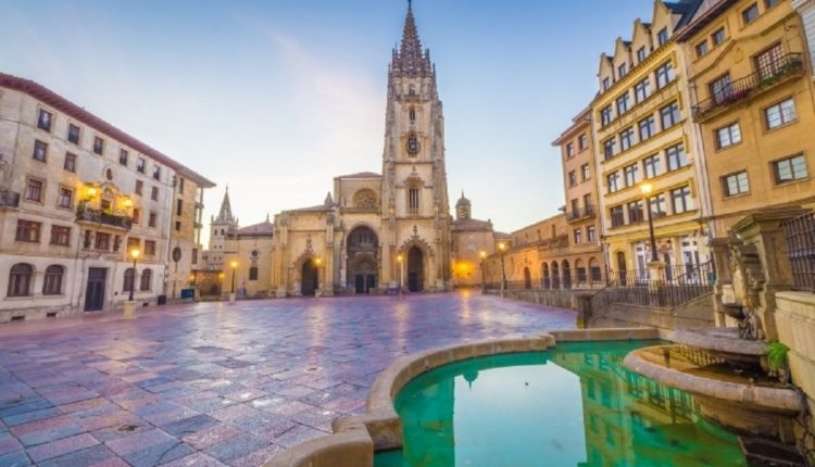 Turizmi në Spanjë ra me 76% në mars