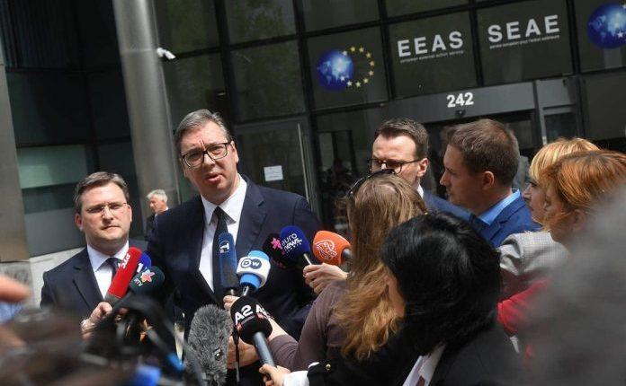 Vuçiç tregon momentet e tensionit gjatë takimit me Kurtin: Më provokoi