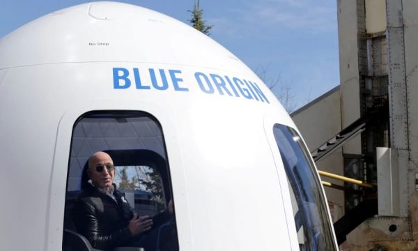 28 milionë dollarë për të shkuar në hapësirë me Jeff Bezosin