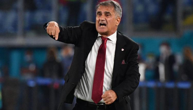 Trajneri i Turqisë flet pas humbjes së thellë nga Italia