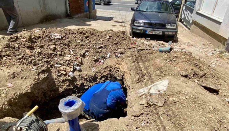 """Përfundoi rekonstruimi i rrjetit të ujësjellësit në krahun e rrugës """"Cvetan Dimov"""" në Çair"""