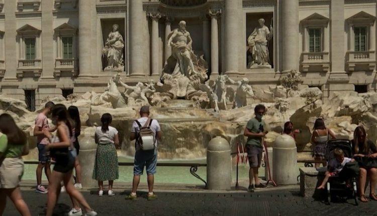 Pjesa më e madhe e Italisë bëhet zonë e bardhë