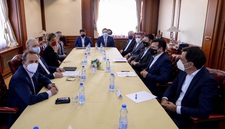 Zaev dhe Hoxha takim pune me drejtorin ekzekutiv të Klubit të Biznesit të Këshillit Euroatlantik