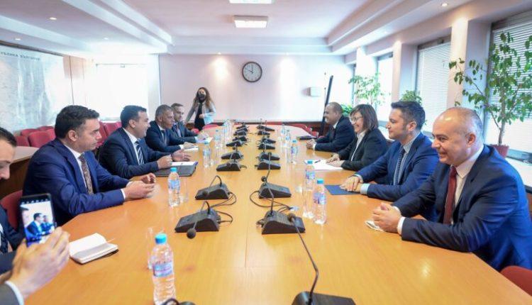 Mediat bullgare: Zaev në Sofje ka propozuar disa kompromise që përfshinë dhe gjuhën. Pretendimet e këtilla hidhen poshtë nga Qeveria