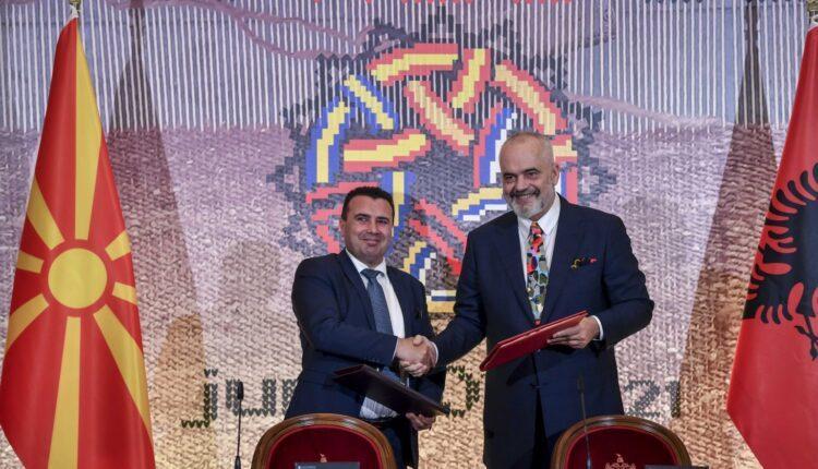 """Zaev dhe Rama nënshkruan marrëveshje për """"One Stop Shop"""", për lehtësimin e kalimit kufitar dhe doganës"""