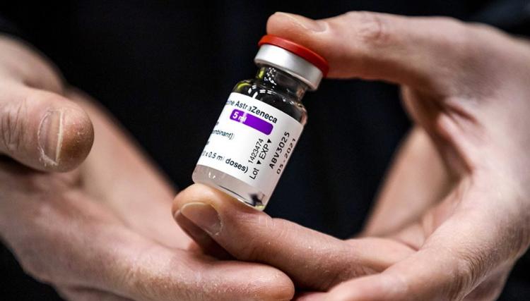 EMA: AstraZeneca të mos u jepet më të moshuarve se 60 vjeç