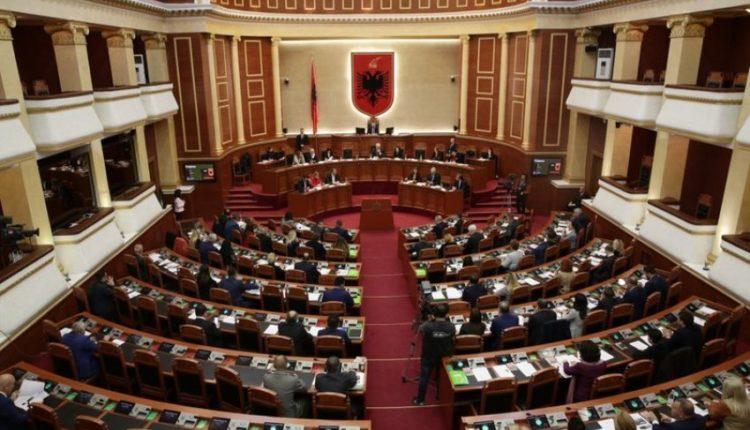 """Pritet """"tërmet"""" në politikën shqiptare, ja çfarë do të ndodhë ditët në vijim"""