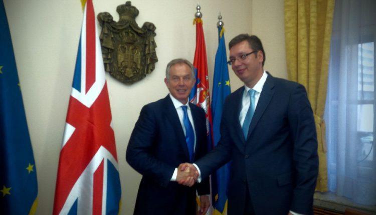 Tony Blair e këshillon regjimin që dikur e bombardoi
