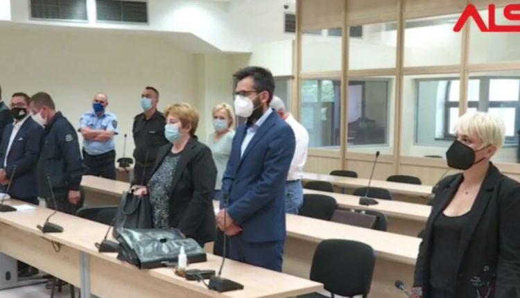 """""""Sozia""""/Buki dënohet me tre vjet burg, dënim me kusht për Kolevskën dhe Vlladiqevskën"""