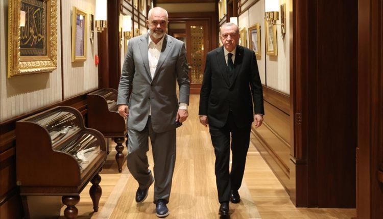 Vizita e Ramës në Ankara, grekët të shqetësuar për detin: Shqipëria, gur shahu në lojën turke